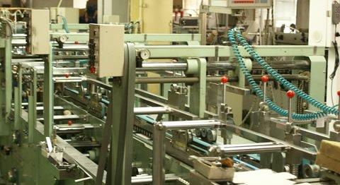 箱製作の単価にも大きくかかわる貼り工程の仕組み